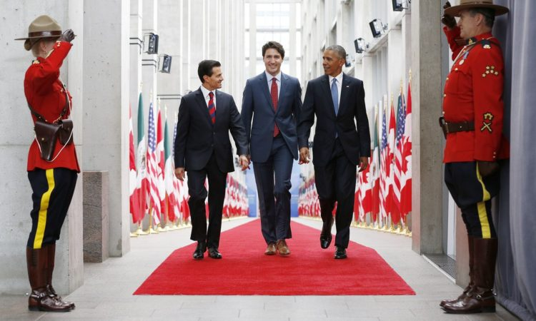 (From left) Mexican President Enrique Peña Nieto, Canadian Prime Minister Justin Trudeau and President Barack Obama arrive at the North American Leaders' Summit. (Credit Government of Canada)